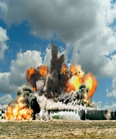 S2_Ueli Alder_Deto_eng 2 3 2 2 #photography #explosions #bang