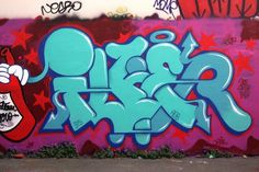Turquoise | www.ilkflottante.com #graffiti #turquoise