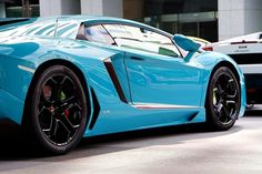 tumblr_lwg713x3wv1r5vp1oo1_r1_1280.jpg (800×533) #lines #lightblue #lamborghini #car #rims