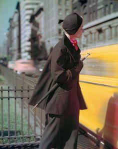 Norman Parkinson - Lisa Fonssagrives on Park Avenue - Photos - Social Photographer's Portfolios #fashion #photography #inspiration
