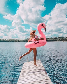 Jumping into the new week 💕 with my flamingo 😂 by 𝓒𝓪𝓶𝓲𝓵𝓵𝓪 ♡