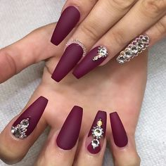 35 Maroon Nails Designs