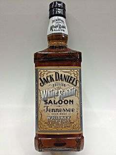 #JackDaniels #packaging #whiterabbit #typography
