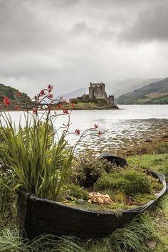 Eilean Donan - View of Eilean Donan castle near Dornie in the scottish highlands