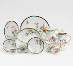 Meissen coffee service with floral decoration and a cobalt blue border for 8 people #porcelain