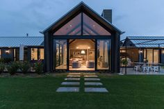 Invercargill House / Mason & Wales Architects