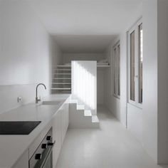 Appartement Spectral by Betillon / Dorval-Bory #interior #white #minimal #apartment #minimalist