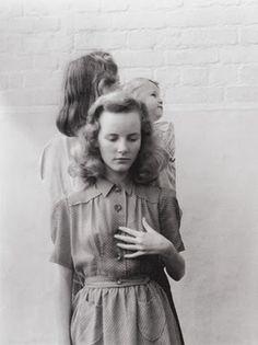 Google Reader (1000+) #blackwhite #photo #retro #girls #vintage