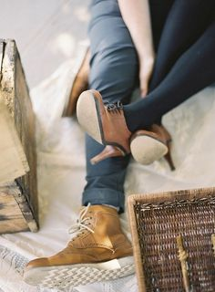 Tumblr #shoes #brown #bed #heels #fashion #pantyhose #jeans