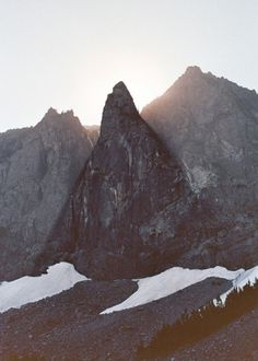 tumblr_ls9j322Lz71qfvkydo1_500.jpg 500 × 700 Pixel #mountain #sun #photography