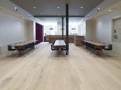 Oak flooring at Jazz House Montmatre - HeartOak by Dinesen