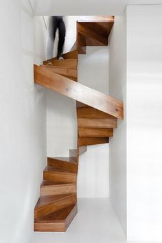 CJWHO ™ (Rebuilding of Restauração House by EZZO César...) #design #architecture #wood #white #spiral #stairs