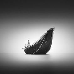 Minimalist Black and White Landscape Photography by Pejuang Subuh