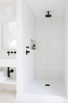 White shower with black accents. Red Dirt Rd House by Amee Allsop. #shower #minimalism #ameeallsop