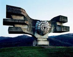 Spomenik_01.jpg 640×505 pixels #soviet #concrete #architecture #monument