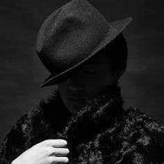 Man in Black ©kyū saŋ lee