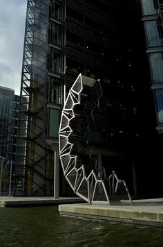 Heatherwick Studio: Rolling Bridge | Sgustok Design