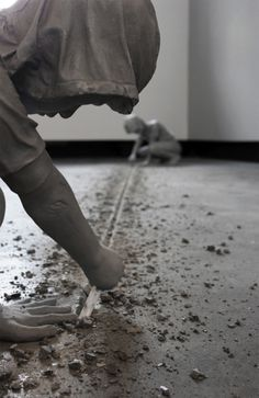 Gregor Gaidas Aluminum Boys Destroy Art Gallery Floors, http://www.thisiscolossal.com/wp-content/uploads/2012/07/gregor-6.jpg #sculpture #white #black #boys #and