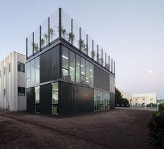 Hydro Aluminum Industrial Pavilion / Daniel Silberfaden + Adamo Faiden #terrasse
