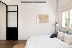 A BAUHAUS APARTMENT IN TEL AVIV GETS RENOVATED