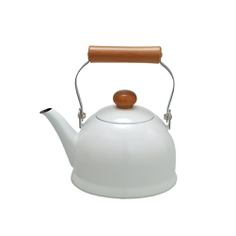 This lovely kettle boasts a chic and simple design to brighten your kitchen space! It is small and easy to handle, promoting comfortable frequent use. The enamel material grants high heat resistance and great cooling performance, as well as preventing germ growth. Made by in-house steel sheet manufacturing in Tochigi, Japan.