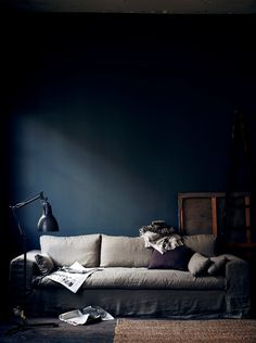 The Swedish Stylist Hans Blomquist and His Dark Inspirations ♥ Шведският стилист Ханс Блонкуист и негов #wood #furniture #dark #home