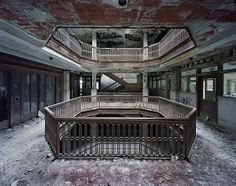 slyAPARTMENT #abandoned #architecture #derelict