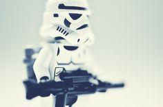 04eff97c540c746df9671ff649919975.jpg (600×399) #trooper #starwars #photography #toy