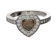 Ring: high-quality, formerly very expensive gold wrought ring with diamond heart, surrounded by fine diamonds, 18K white gold