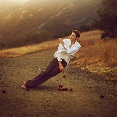rise and fall | Flickr - Photo Sharing! #brooke #apple #male #photography #square #vintage #man #shaden