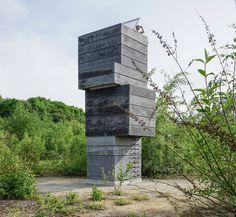 modulorbeat stacks concrete frames to create a one man sauna #sauna
