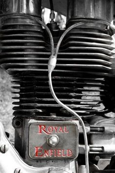 Art of Motorcycling #old #enfield #lal #india #classic #royal #engine #photography #bike #rahul