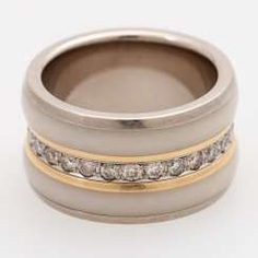 HELGE BERGER ladies ring with diamond band