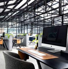 Modern Warehouse Conversion in the Creative Hub - InteriorZine #office #interior #decor