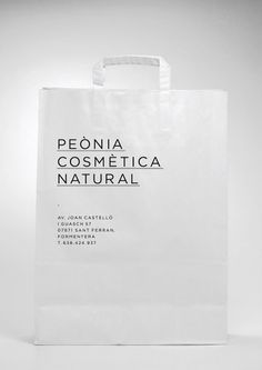 Peònia Cosmètica Natural on Branding Served #typography