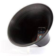 Dezeen » Blog Archive » Change the Record by Paul Cocksedge #record #iphone #vinyl #speaker
