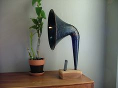 iPhone Horn by Matt Richmond at Coroflot.com #stuff #cool