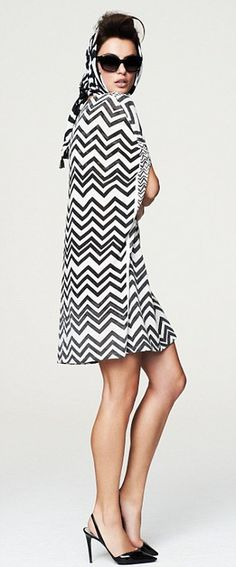 retro zig-zag clothing #clothing #pattern #woman #zigzag #texture #waves