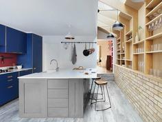 Almington Street House / Amos Goldreich Architecture