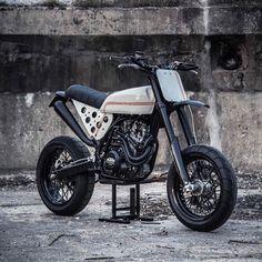 KTM 520 built by @robinsonsspeedshop #moto