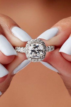 There are a lot of various types of engagement rings – solitaire engagement rings, diamond rings with multiple stones, paved rings – but the feature that defines your ring is its centerpiece.