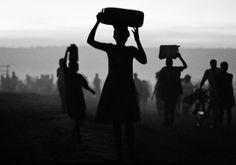 Katastrofechef husker Rwanda: »Jeg har aldrig set så mange døde mennesker« Politiken.dk #grarup #africa #rwanda #photography #jan