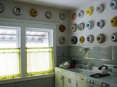 Retro Kitchen with Cake Pan Wall Decorations #kitchen #retro