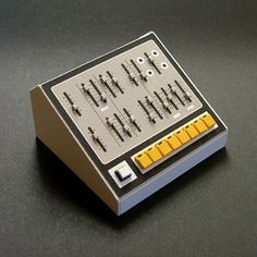 Analogue Miniature 8 #miniatures #synth #craft #art #paper