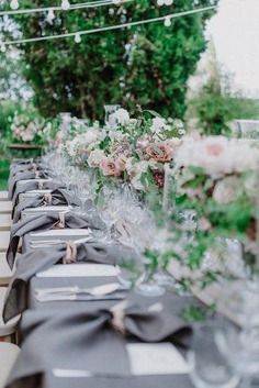 Pay attention to one of the trending colors for 2019 weddings – silver sage. This timeless neutral color that gives you the opportunity to bring elegant and romantic feelings in to your celebration.