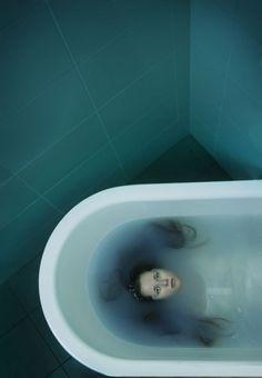 tub floating green