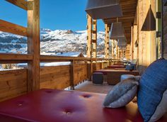 Contemporary and Cozy Retreat Hotel in Swiss Alps - #hotel