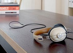 FFFFOUND! | tumblr_kvycntqX371qau50i.jpg (JPEG-bild, 500x363 pixlar) #cream #leather #headphones
