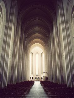 ◌ The Struggle #church #arch