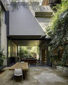 PN House in Mexico City – an Ever-Present Sense of Indoor-Outdoor Living